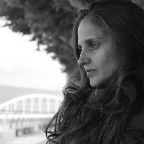 Academia Canossa   Andrea Mesquita - Docente